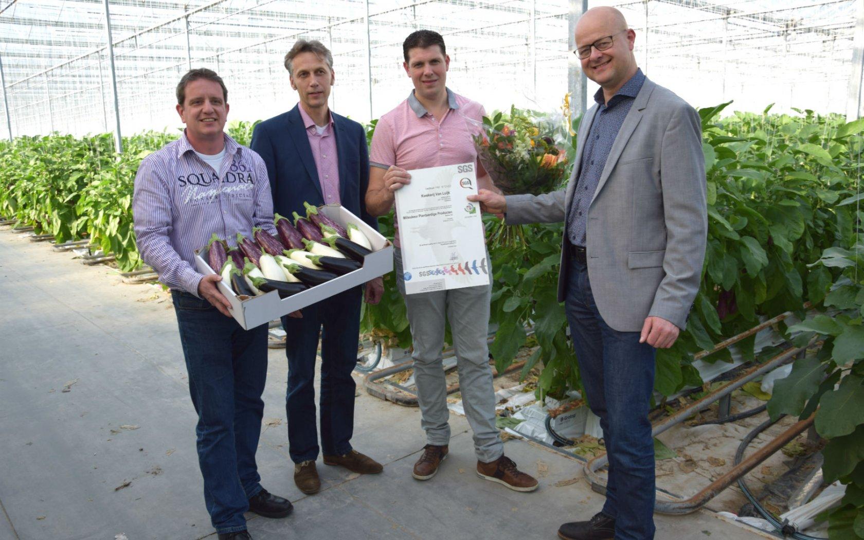 Eerste Milieukeur certificaat uitgereikt bij vruchtgroente teler
